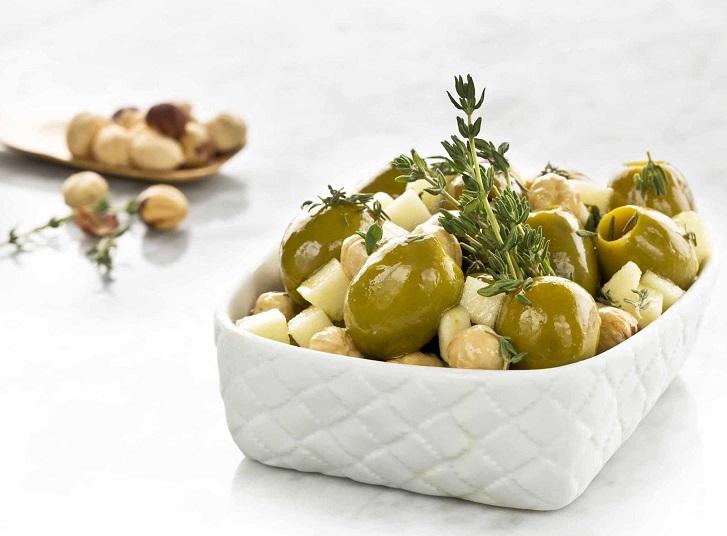Aceitunas gordal rellenas de queso y tomate