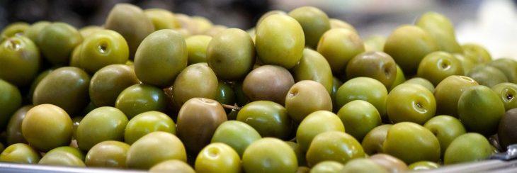 Aceitunas como tapeo en España
